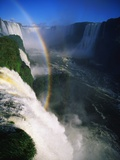 Rainbow Arching into Iguazu Waterfalls Fotodruck von Pablo Corral Vega