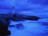 Lighthouse on Rocky Shore Fotografiskt tryck av Jim Richardson