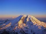 Aerial View of Mount Rainier Papier Photo par Bill Ross