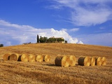 Hay Bales and Farmhouse in Val d&#39;Orcia Photographic Print by Sergio Pitamitz