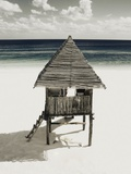 Lifeguard Station on Beach Fotografie-Druck von Franco Vogt