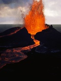 Puu Oo Crater Erupting Photographie par Jim Sugar