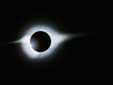 Solar Eclipse With &quot;Diamond Ring&quot; Feature Fotografie-Druck von Roger Ressmeyer