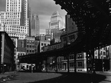 Elevated Rail Curving Beneath Manhattan Buildings Fotografie-Druck von Brett Weston
