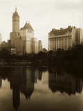 View of the Plaza Hotel, the Savoy Hotel and the Sherry-Netherland Hotel Reflected in the Water Papier Photo