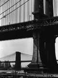 Brooklyn and Manhattan Bridges Photographie par Brett Weston