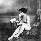 Nude Drinking Tea, 19Th Ct Fotografie-Druck