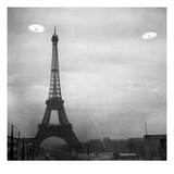 Ufo: Paris Giclee Print