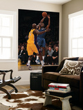 Washington Wizards v Los Angeles Lakers: Lamar Odom and Nick Young Print by  Jeff