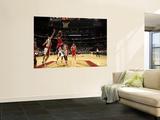 Philadelphia 76ers v Toronto Raptors: Jrue Holiday and Peja Stojakovic Plakater af Ron Turenne