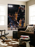 Washington Wizards v Los Angeles Lakers: Lamar Odom and Nick Young Poster by  Jeff