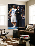 Cleveland Cavaliers v New Orleans Hornets: Peja Stojakovic and Byron Scott Plakater af Layne Murdoch
