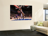 Los Angeles Lakers v Los Angeles Clippers: Blake Griffin, Pau Gasol and Lamar Odom Posters af Noah Graham