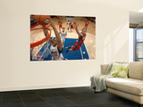 New Jersey Nets v Los Angeles Clippers: Eric Gordon and Jordan Farmar Print by Noah Graham