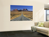 Monument Valley, Utah, USA Print by Gavin Hellier