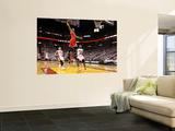 Mike Ehrmann - Chicago Bulls v Miami Heat - Game FourMiami, FL - MAY 24: Derrick Rose, LeBron James and Mike Bibby - Reprodüksiyon