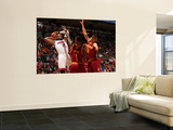 Cleveland Cavaliers v Miami Heat: Dwyane Wade, Daniel Gibson and Anthony Parker Posters af Victor Baldizon