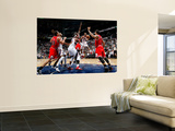 Chicago Bulls v Atlanta Hawks - Game Four, Atlanta, GA - MAY 8: Josh Smith and Jeff Teague Plakater af Kevin Cox