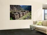 Minor Ruins of Wilkaracay Near the Start of the Inca Trail Lámina por Karl Lehmann