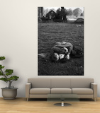 American Soldier Kissing English Girlfriend on Lawn in Hyde Park, Favorite Haunts of US Troops Prints by Ralph Morse