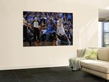 Oklahoma City Thunder v Dallas Mavericks - Game One, Dallas, TX - MAY 17: Kendrick Perkins and Dirk Plakater af Danny Bollinger