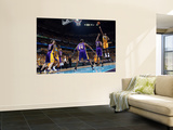 Los Angeles Lakers v New Orleans Hornets, New Orleans, LA - APRIL 22: Emeka Okafor and Andrew Bynum Print by Layne Murdoch