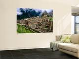 Overview of Terraced Royal Inca Ruins, Machu Picchu, Peru Pósters por Jeffrey Becom