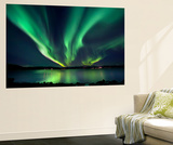 Aurora Borealis over Tjeldsundet in Troms County, Norway Affiches par  Stocktrek Images