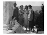 Vanity Fair - August 1920 - Isadora Duncan Group in Grecian Costume Photographic Print by Arnold Genthe