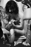 Frank Zappa avec guitare Affiches