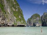Maya Bay, Phi Phi Leh, Phuket, Andaman Sea, Thailand Fotografisk tryk af Cindy Miller Hopkins