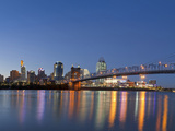 The Skyline of Cincinnati, Ohio, Usa Lámina fotográfica por Chuck Haney