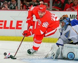 Tomas Holmstrom 2011-12 Action Photo