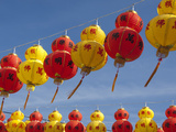 Red and Yellow Chinese Lanterns Hung for New Years, Kek Lok Si Temple, Island of Penang, Malaysia Fotografisk tryk af Cindy Miller Hopkins