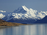 Aoraki Mount Cook and Lake Pukaki, Mackenzie Country, South Canterbury, South Island, New Zealand Photographic Print by David Wall