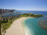 Ala Moana Beach Park, Honolulu, Oahu, Hawaii Photographic Print by Douglas Peebles