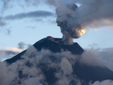 Active Volcano Tungurahua, Province Tungurahua, Ecuador Fotografie-Druck von Jutta Riegel