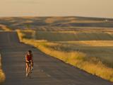 Road Bicycling Near Great Falls, Montana, Usa Fotoprint van Chuck Haney