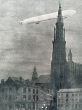 World War I (1914-1918). First German Zeppelin over Antwerpe Photographic Print by Prisma Archivo