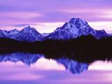 Mountain Reflections on Lake, Grand Teton National Park, Wyoming, Usa Fotografisk tryk af Dennis Flaherty