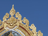 Detail of Ornate Golden Entry Gate, Thai Buddhist Temple, Island of Penang, Malaysia Fotografisk tryk af Cindy Miller Hopkins