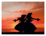 Hula Sisters: Hawaiian Hula Dancers at Sunset Lámina giclée por Randy Jay Braun
