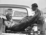 Actor Steve McQueen and Stuntman Bud Ekins During the Mojave Desert Motorcycle Race, May 1963 Premium fotografisk trykk av John Dominis