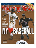 New York Yankees SS Derek Jeter and New York Mets C Mike Piazza - October 30, 2000 Print