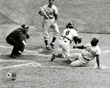 Jackie Robinson steals home during the 1955 World Series Photographie
