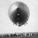 Airship 'Graf Zeppelin', 1929 Photographic Print by  Scherl