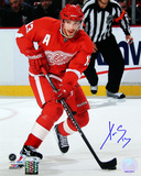 Pavel Datsyuk Detroit Red Wings Skating Vertical Photo