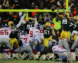 Lawrence Tynes Kick vs Green Bay Horizontal Photo Fotografía