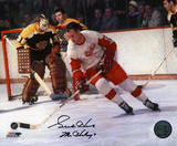 Gordie Howe Detroit Red Wings Autographed Photo (Hand Signed Collectable) Photo
