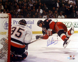 Eric Lindros Diving Shot Vs. Islanders Photo